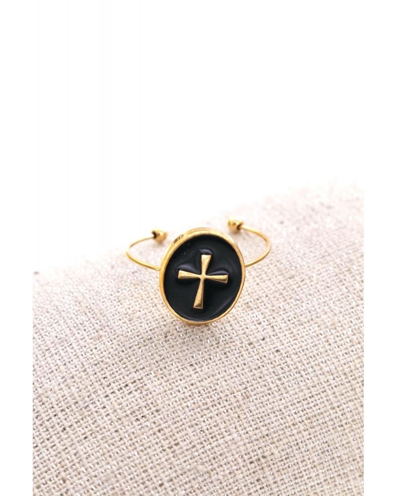 bague-ovale-croix-doré-noir