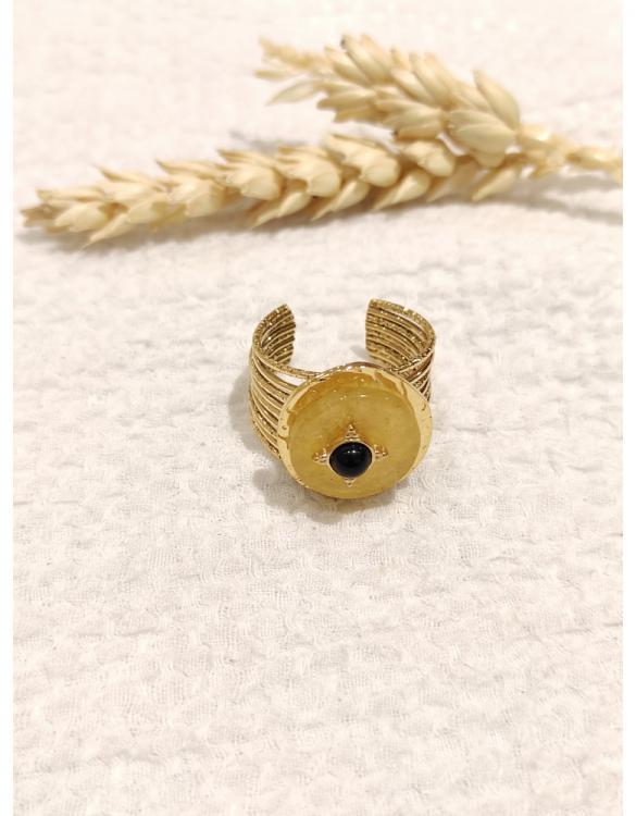 bague-onyx-ronde-avec-une-petite-pierre-verte-doré--4