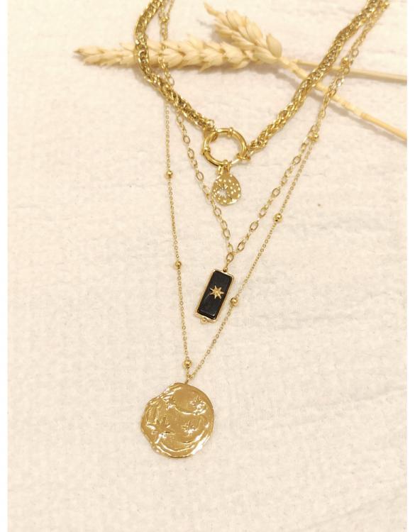 collier-triplet-constellation-et-pierre-rectangle-noire-doré-